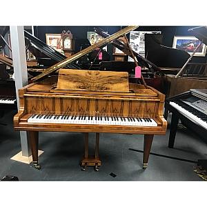 Welmar Baby Grand Piano - French polished - Walnut