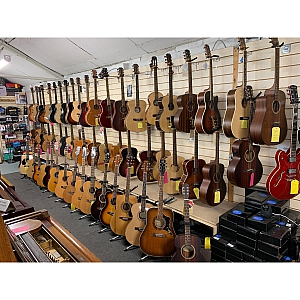 MANY MORE GUITARS IN STORE!!!